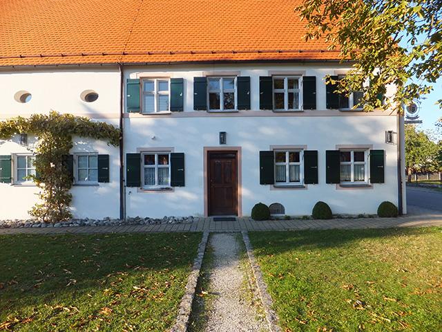 Vorderer Teil des Klaiberhauses mit Eingangstüre